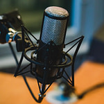 microphone-2618102_1280